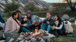 Here are some COVID-friendly ideas for how to hang out with friends this winter! We're all looking for fun socially distant activities now that it's getting colder!